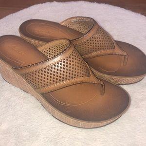 Brand new Clark's platform sandals in size 7.5